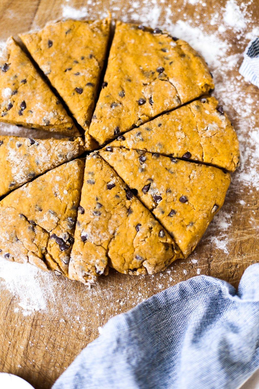 pumpkinchocolatechipscones