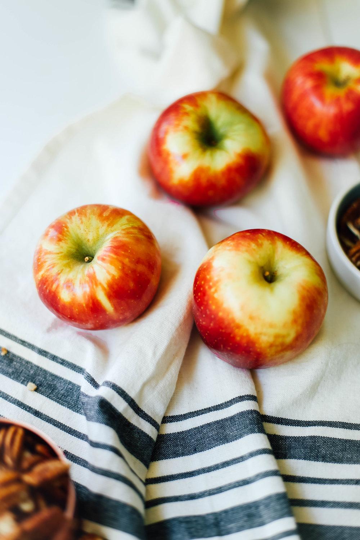 ApplePecanCinnamonRolls-2.jpg