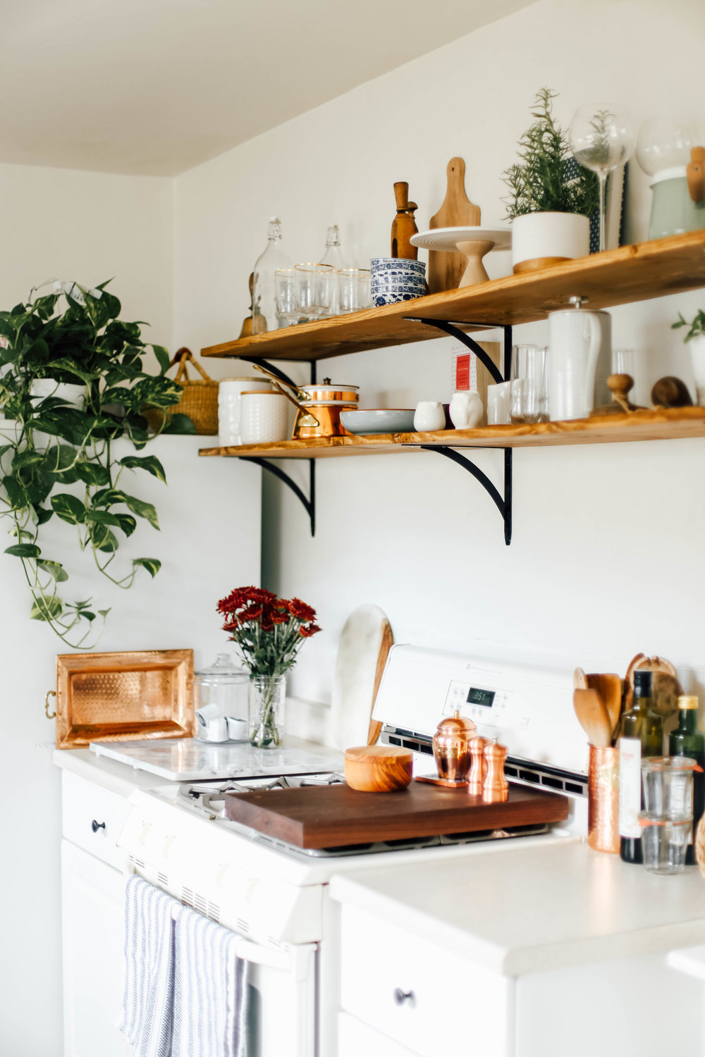 The Benefits Of Open Shelving In The Kitchen: Open Kitchen Shelves For Under $100
