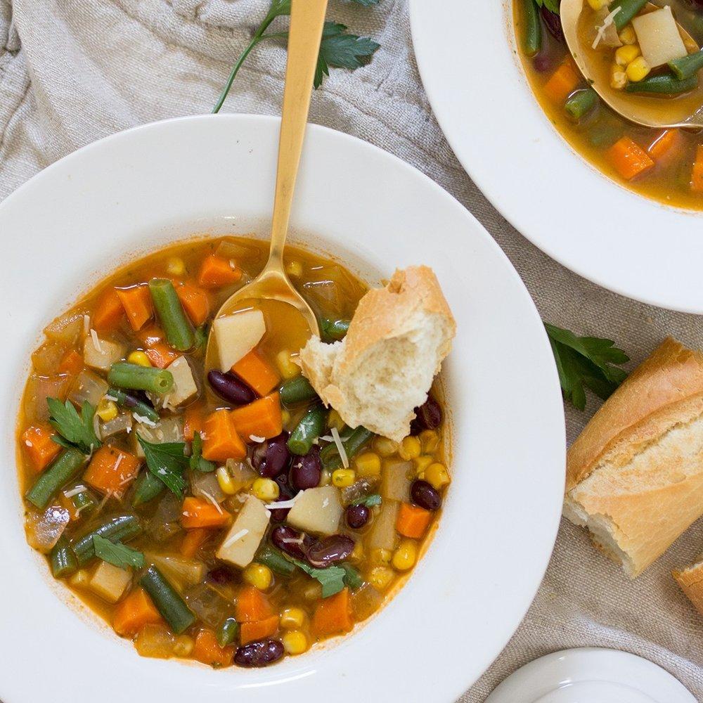 Vegetable-Tomato-Pesto-Soup-2.jpg