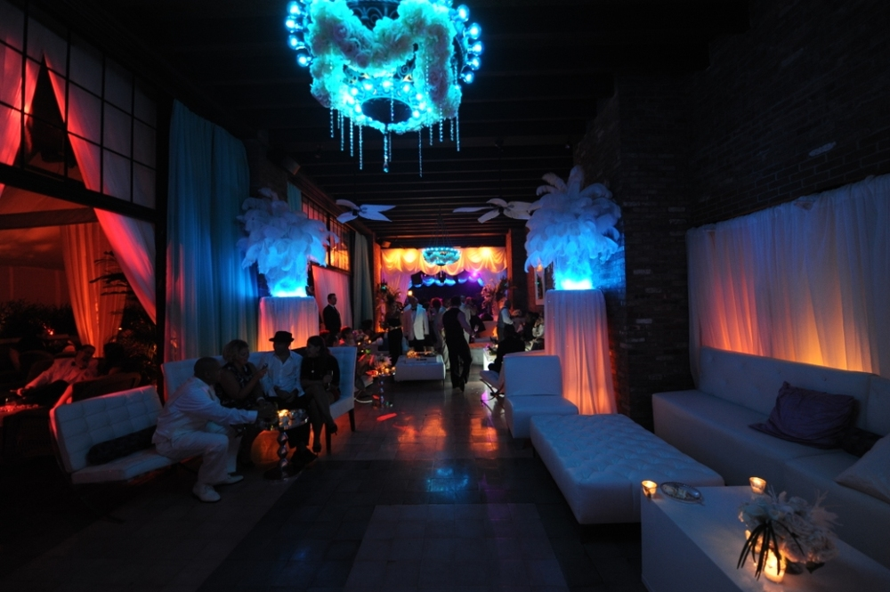 13. Havana Night Club Lounge area .jpg