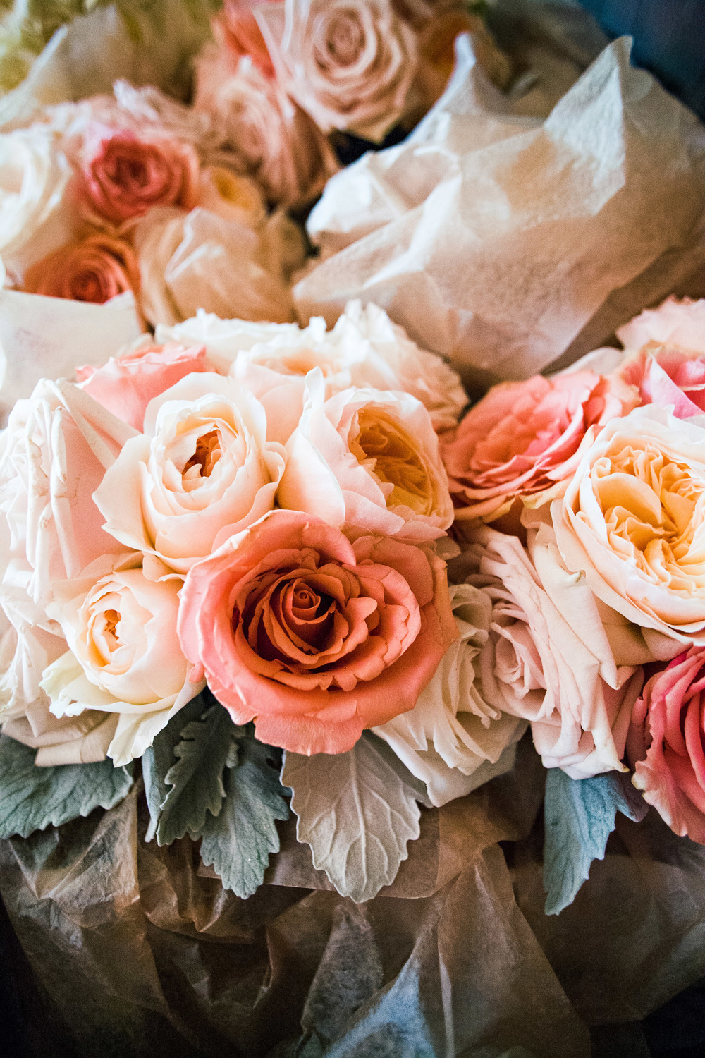 15. RS - peach & coral bouquets, garden roses + dahlia bouquet, peach & coral wedding inspiration .jpg