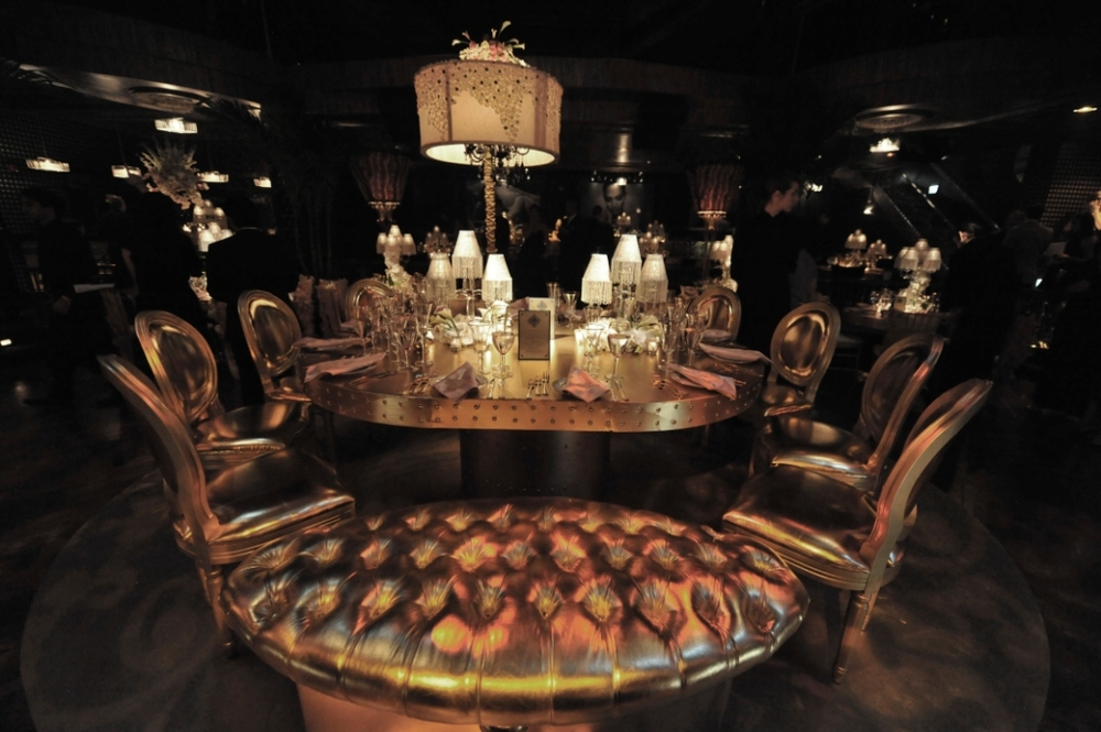 10. JLO 40th birthday, gold lounge setting, gold tufted bench, glitzy lounge.jpg