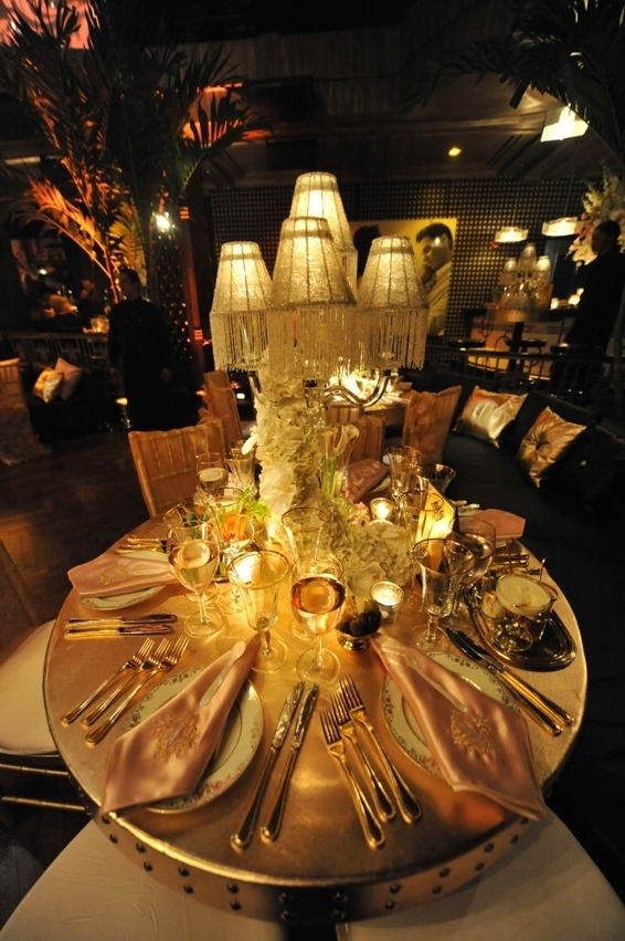 13. gold and pink Table Setting, jennifer lopez 40th birthday.jpg