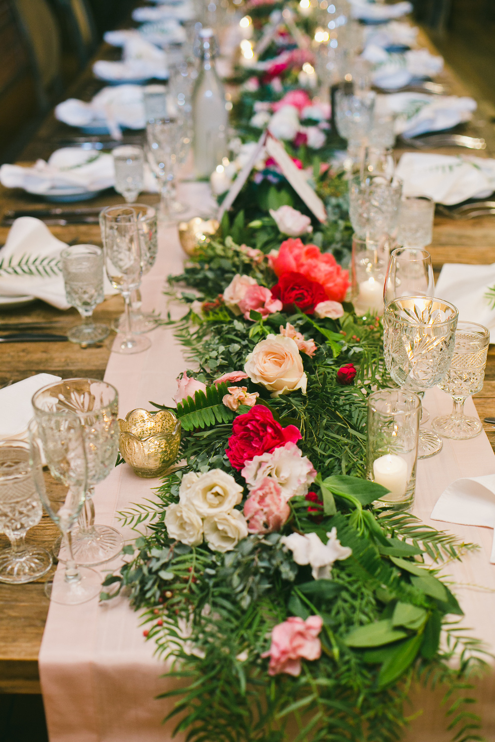 072 table garland.JPG