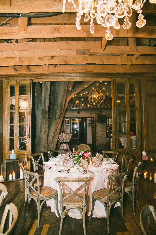 074 round dinner table.JPG
