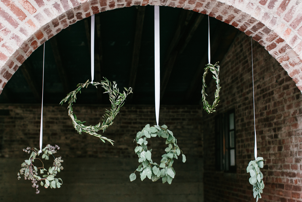053 Cocktail Hanging Wreaths.jpg