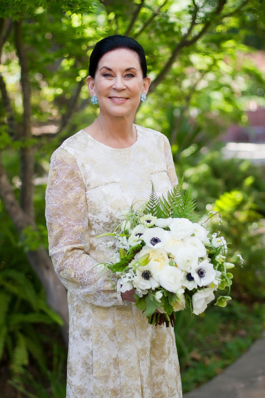 018 - bride & bouquet.jpg