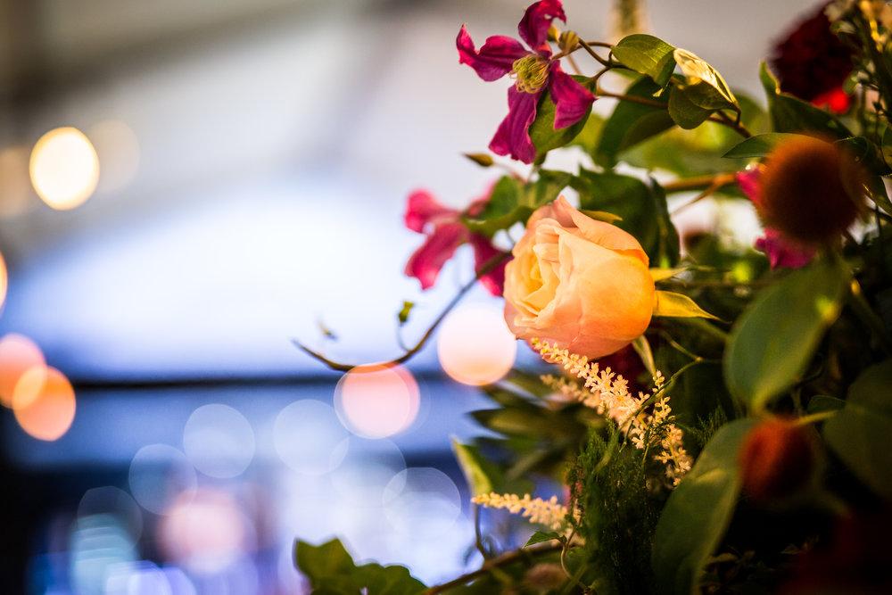 071 Dinner Bar Flowers.jpg