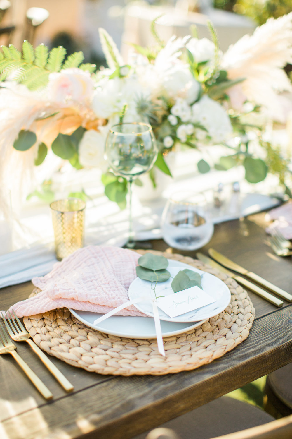 39. Boho Romantic Place Setting.jpg