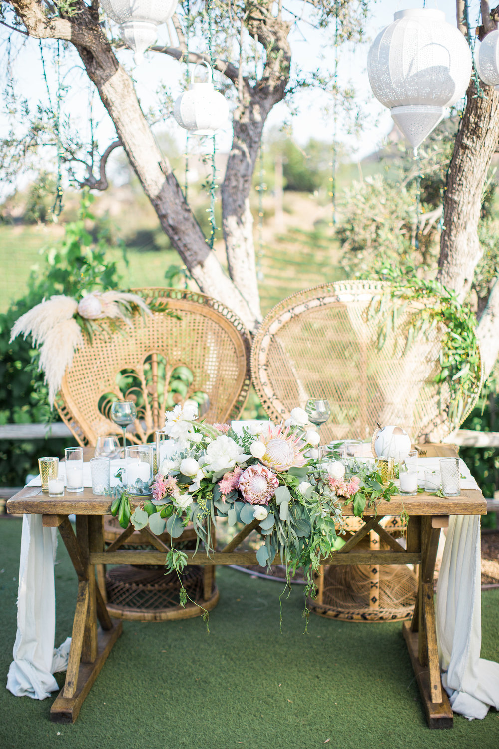 42. Romantic Sweetheart Table.jpg