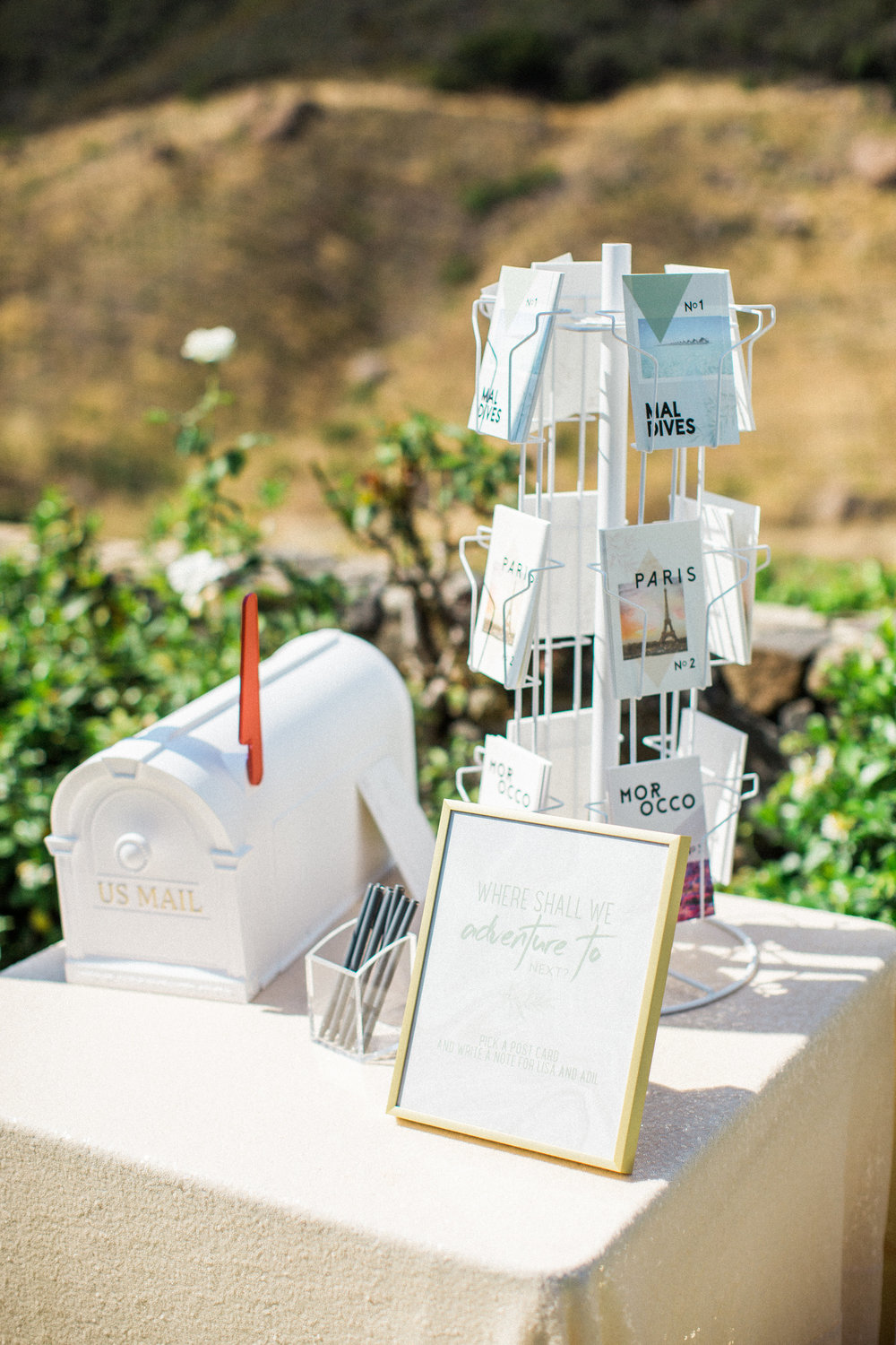 51. Wedding Guest Book Table.jpg