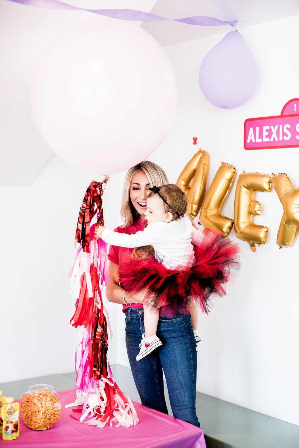 Alexis'_1st_Birthday_04.07.18_-54.jpg