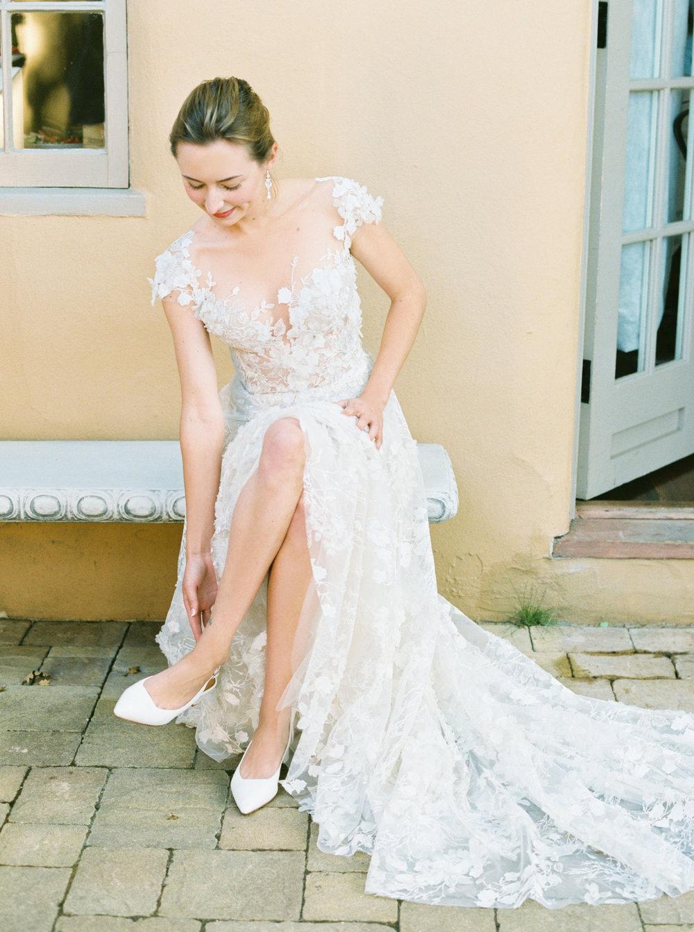 23. Bride Getting Ready.jpg