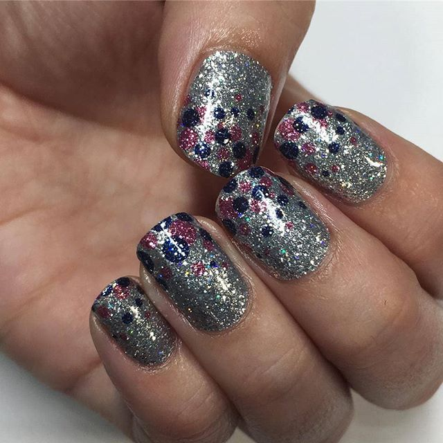 "Turn heads with sparkling ""Drama Queen"" nails! (📷: @carolina.crystal) #coconutnailart #incoco #glitternails #nailart #walmartstyle"