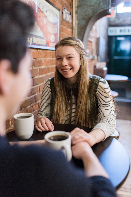 Des-Moines-coffee-shop-engagement-session-2.jpg