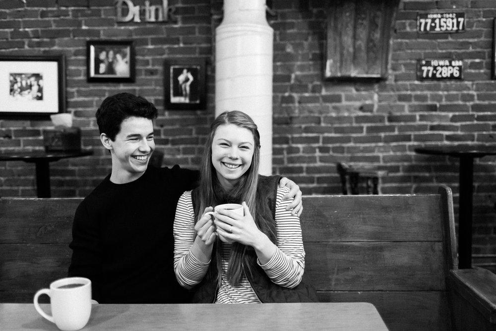 Des-Moines-coffee-shop-engagement-session-3.jpg