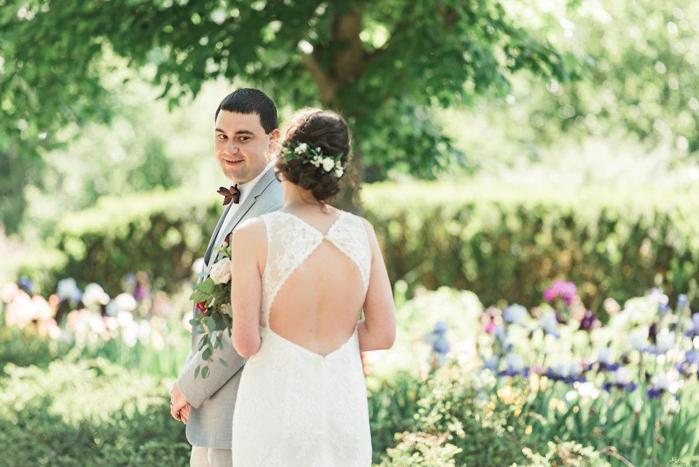 desmoinesbotanicalgardenwedding-25.jpg