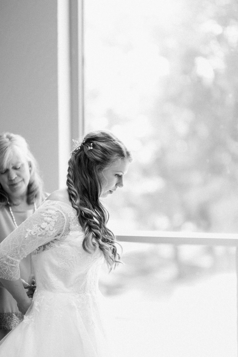 sweettraditionaldesmoineswedding-20.jpg