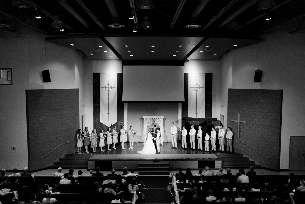 sweettraditionaldesmoineswedding-43.jpg