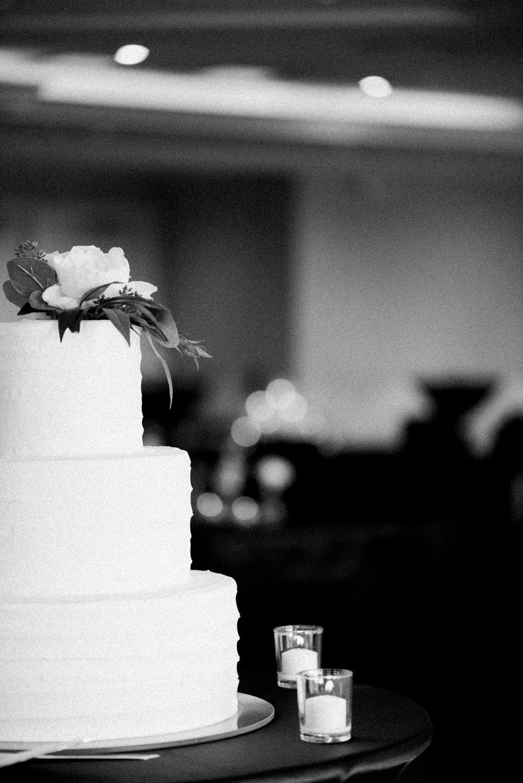 romanticoutdoordesmoineswedding-27.jpg