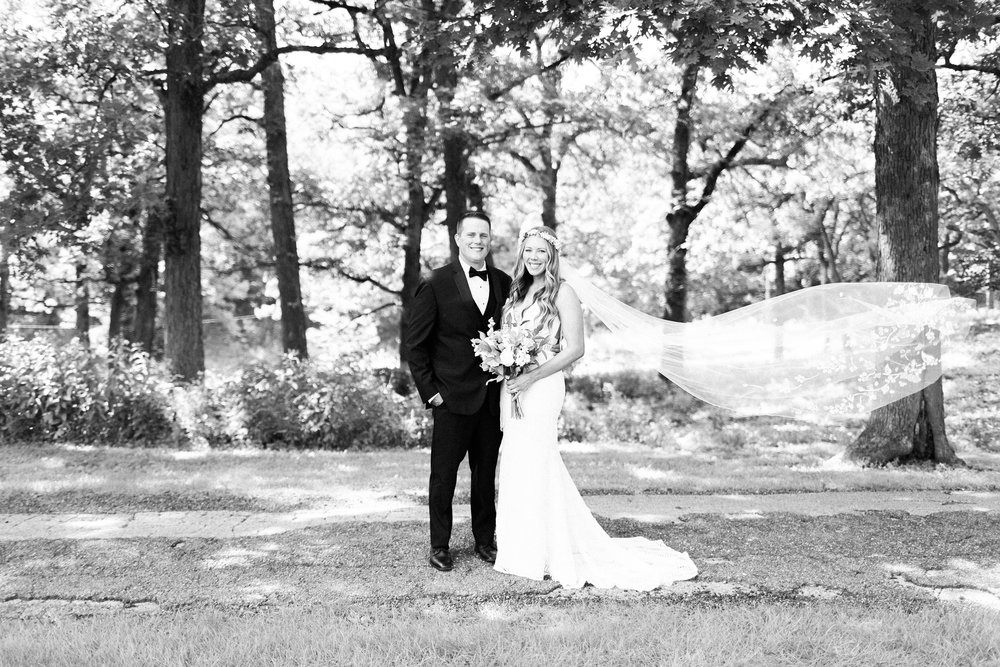 romanticoutdoordesmoineswedding-33.jpg