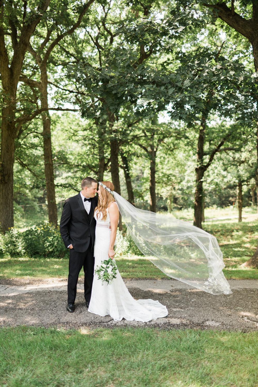 romanticoutdoordesmoineswedding-35.jpg