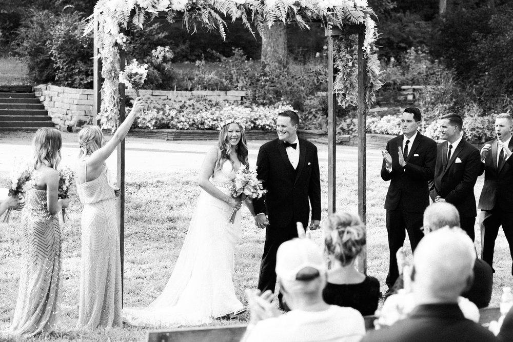 romanticoutdoordesmoineswedding-59.jpg