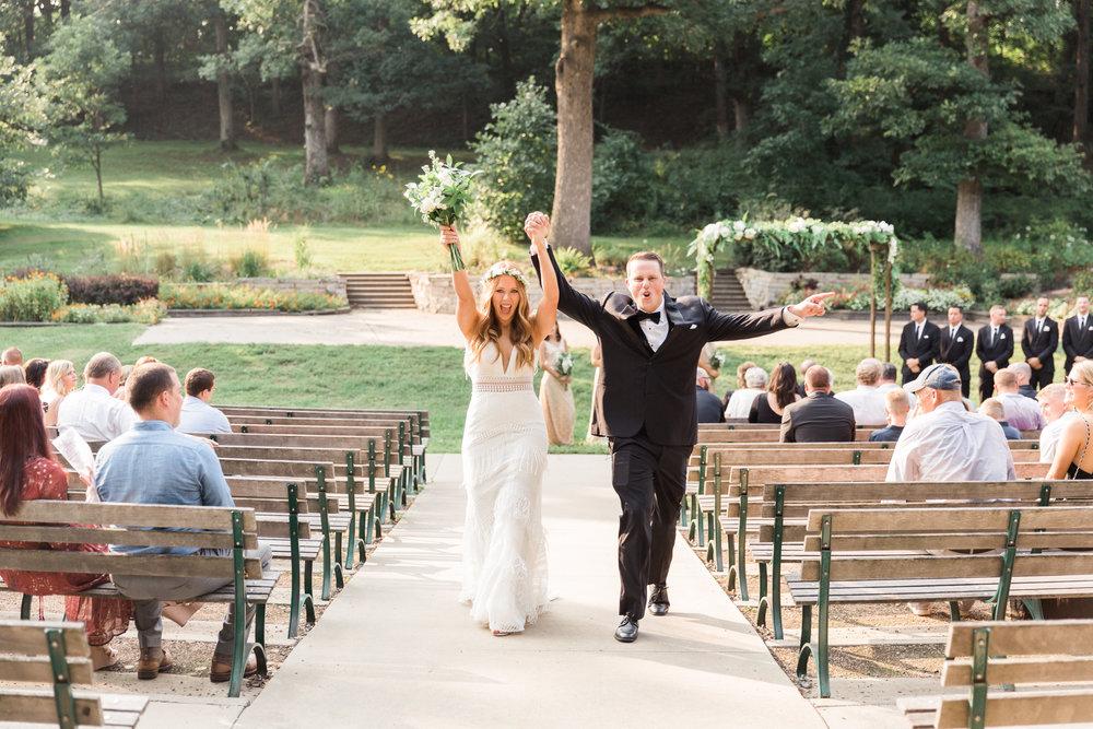 romanticoutdoordesmoineswedding-60.jpg
