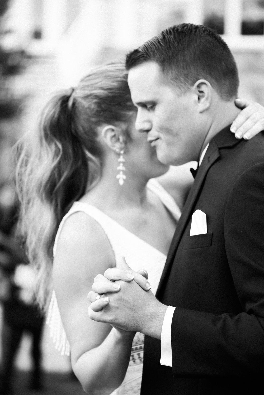 romanticoutdoordesmoineswedding-65.jpg