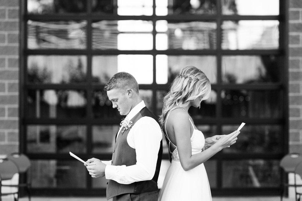 charmingrusticcentraliowawedding-28.jpg