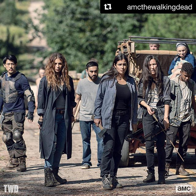 Just about that time again.... Daylight savings does not apply here 😱#letsgetreadytorumble 🗡⚔️ #Repost @amcthewalkingdead ・・・ Beta is just getting started. Don't miss #TWD tomorrow!