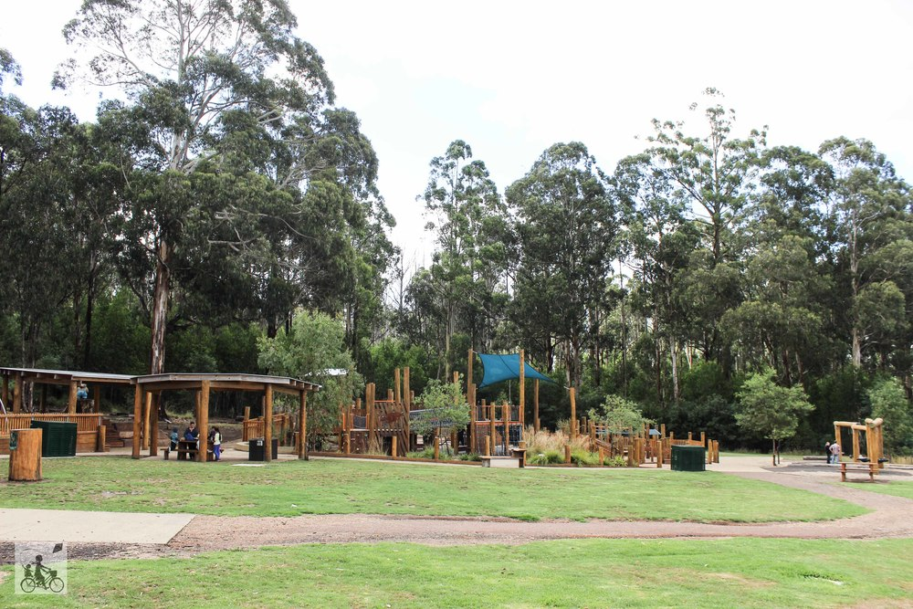 Mamma Knows East - Bollygum Park
