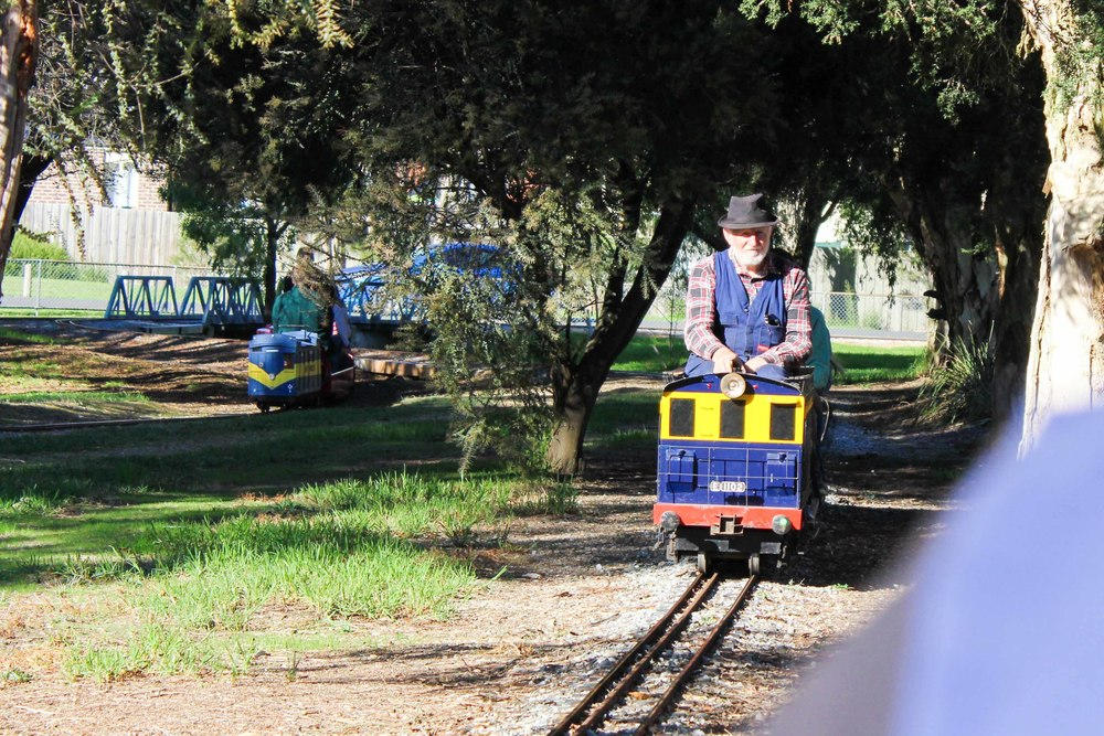 Mamma Knows East - Mooroolbark Miniature Railway