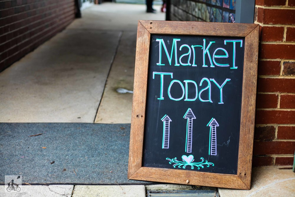 Mamma Knows East - Big Dreams Market