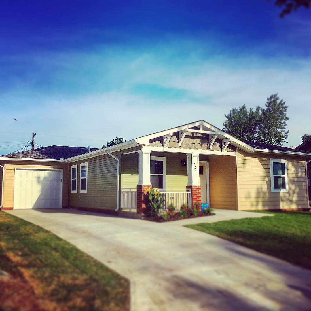 Clark howard sponsoring habitat for humanity house in tulsa - 19121838_309213546196575_8211684295484375040_n Jpg Tulsa Habitat For Humanity Building Homes