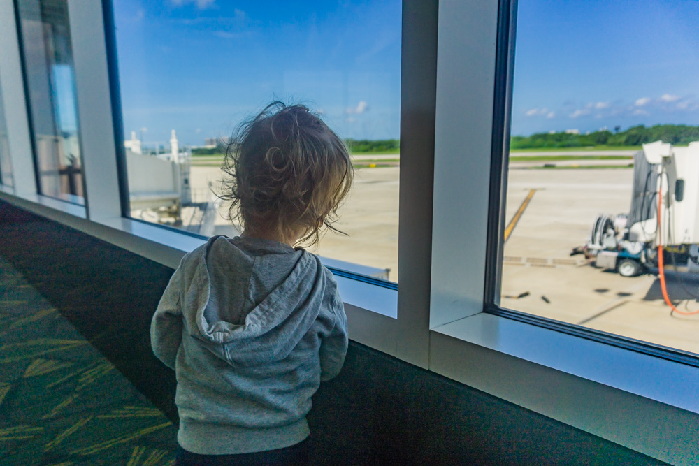 Air Travel with Toddler | Observing the Planes