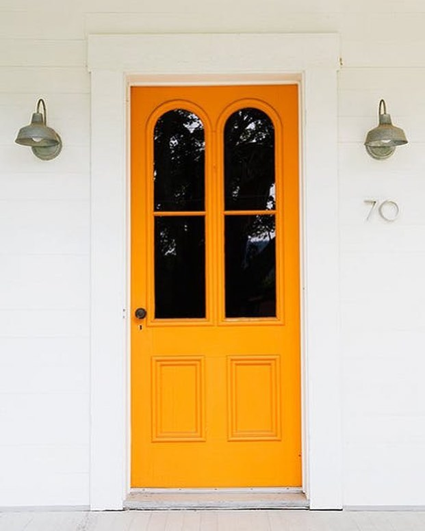 Working on an exterior refresh with some clients and are feeling totally inspired by this door. Photo via: @pinterest  @apartmenttherapy