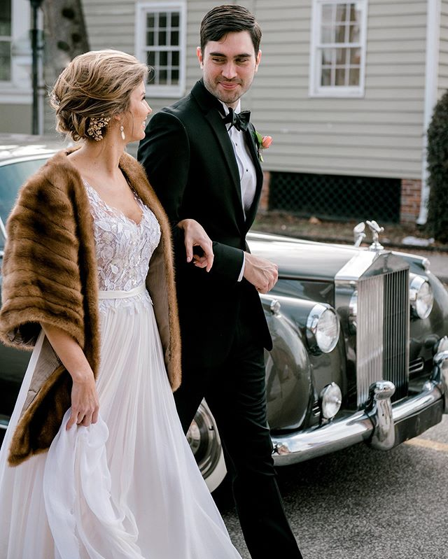 Stay warm out there, y'all! It's going to be a wintry week on the East Coast! ☃️❄️ photography @jenningsking hair + makeup: @updosforidos car: @lowcountryvalet gown: @inesdisanto head piece: @mariaelenaheadpieces veil @debrashirley1111 tuxedo @charlestontuxedo nails @mylk.bar  shoes: @emmyshoes  #winterwedding #winterweddingdress #charlestonbrides