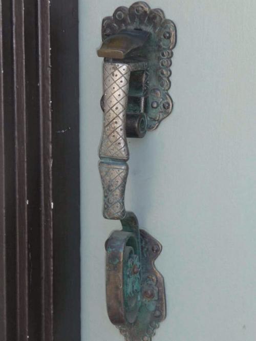 door-knob1.jpg