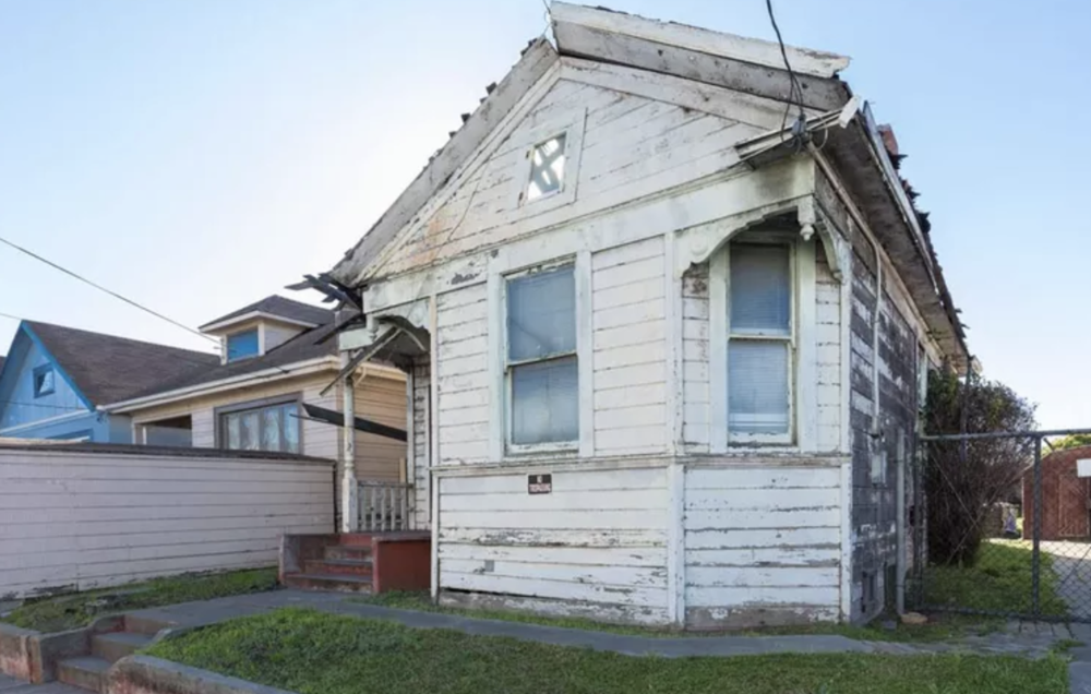 Curbed SF | Mar 2018 | Collapsing, unlivable Oakland home asks $399,000