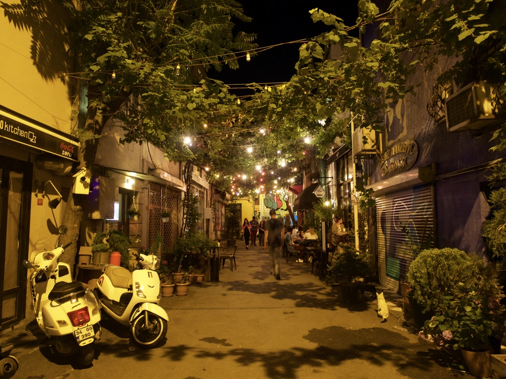The alleys of Karakoy are filled with restaurants and coffee shops.