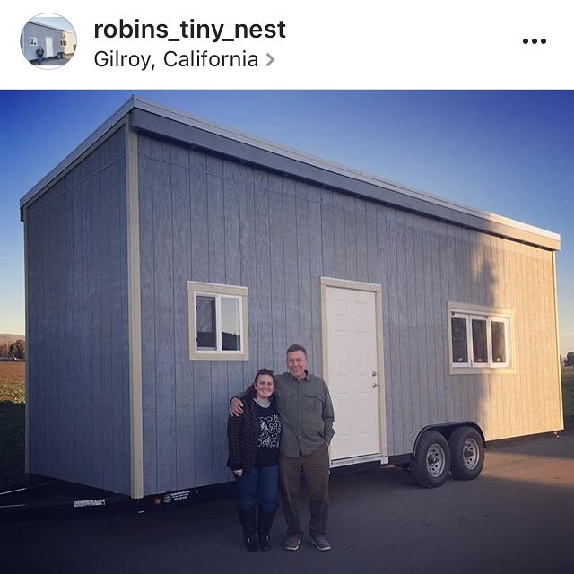 I love strong women and I love this girl. Go follow @robins_tiny_nest and watch her build her very own tiny home. 💪🏼🎀🔨🔩💕 #workitgirl
