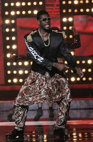 beef0a2a087a LeBron Showed he was more than just an athlete at the 2007 Espys! Click the  photo to see his hilarious dance number!