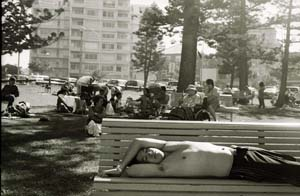 4 Down South: A Stark View of the Sutherland Shire DIANA SIMMONDS Andrew Stark, Cronulla Park, 2008