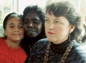 7 Jan Martin 1939 − 2008 CHRISTOPHER HEATHCOTE   (l to r) Mayatil Marika and Banduk Marika with Jan Martin, 1989