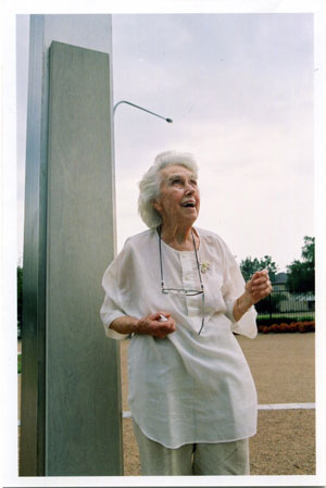 5 In memoriam: (Rita) Joan Brassil 1919 - 2005, bySUSAN BEST   Sandy Edwards, Joan Brassil with her wind harp,  A tether of time , 2001, in the sculpture garden at Campbelltown Arts Centre, Western Sydney in 2002.