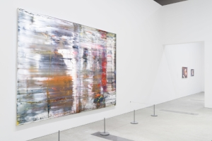 9 STIMULATING THINKING, FEELING AND SEEING: GERHAD RICHTER AT GOMA, TONI ROSS, BRISBANE   Gerhard Richter: The Life of Images, exhibition installation view, Queensland Art Gallery / Gallery of Modern Art (QAGOMA), Brisbane, 2017, with (from left):Abstract painting (726), 1990;Reader (804) and Reader (799-1), both1994; photo: Natasha Harth, QAGOMA