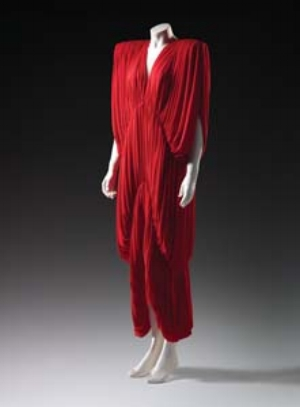 7 Super Bodies: Heroic Fashion from the 1980s in Melbourne SALLY GRAY Norma Kamali, New York (fashion house), Norma Kamali designer, Evening dress, autumn-winter 1977, polyester jersey. National Gallery of Victoria, Melbourne. Purchased NGV Foundation, 2006.