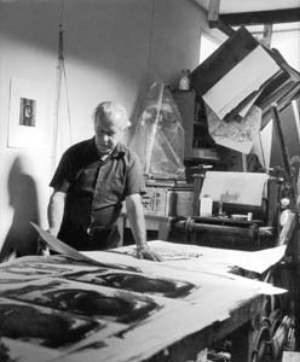 10 Grahame King 1915 to 2008: SASHA GRISHIN   Grahame King in his Studio (detail). Photography by Richard Beck